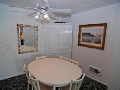 beach vacation rental dining area, Oceanside California, click to enlarge
