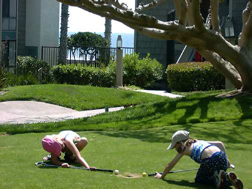 Oceanside beach rental in southern California, Beach front North Coast Village condo complex small putting green near beach, click to enlarge